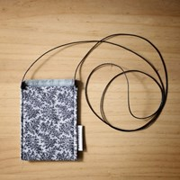 string card pocket _ MONO