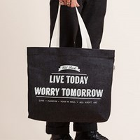 LIVE TODAY WORRY TOMORROW WILD BRICKS