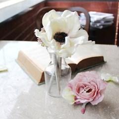 white anemone flower pen