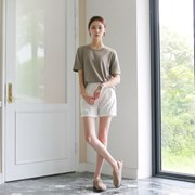 Modern waist half slacks