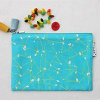 Exciting mint pouch