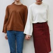 Wide raglan sleeve knit
