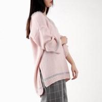 line point v-neck knit top