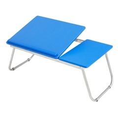 블루 노트북 테이블