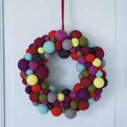 Big Wreath, Colourful