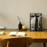 Wire bookstand