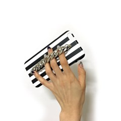 stripe chain case