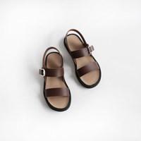 Simple strap buckle sandal