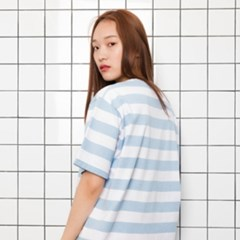 STRIPE T LIGHT BLUE
