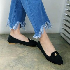 Crown pendent suede loafer_KM16w243