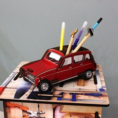 Pencil box - Renault R4