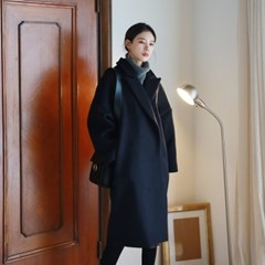 Over-fit wool coat