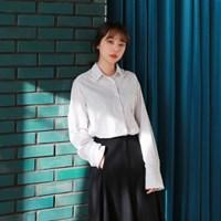Thin stripe line shirt