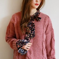 Twist v-neck soft knit