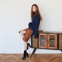 Soft suede unique button skirt