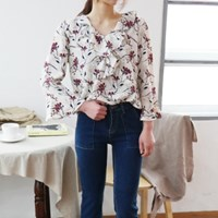 Feminine flower blouse