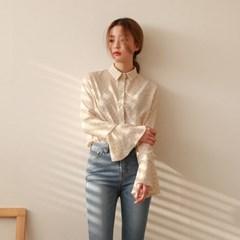 Dot sleeve frill blouse