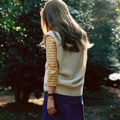 Standard v-neck knit vest