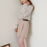 Buckle wrap mini skirt