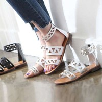 kami et muse Triangle punching strap sandals_KM17s130