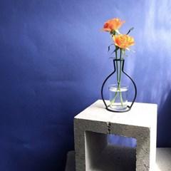 NUDE VASE ( H143 ) + GLASS VASE