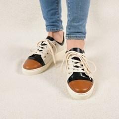 [Glam Banana] Brown Toe Banana Sneakers White