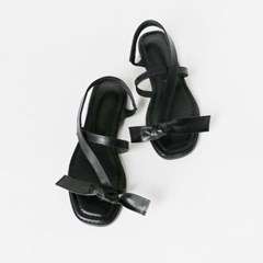 Knot point sandals