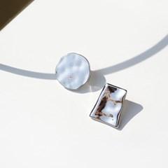 Hammer fiqure earrings