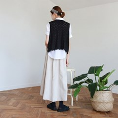 Pattern v-neck knit vest