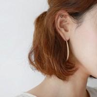 Oval vintage earring