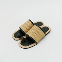 Straw flat sandal