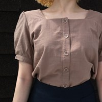 Square puff blouse
