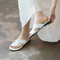 kami et muse Wide cross strap flip flop slippers_KM17s322