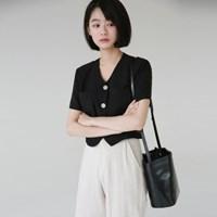 Minimal crop blouse