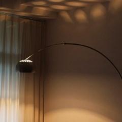 아르코 플로어 램프 - 대