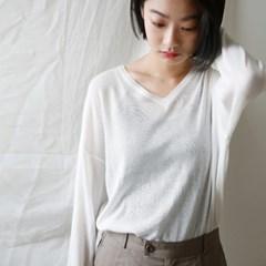 V-neck mild knit