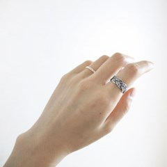 SV925. BOLD BRAID ANTIQUE RING