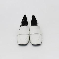 Modern sqaure heel
