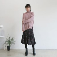 Wide pullover turtle-neck knit
