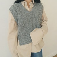 Pattern v-neck wool vest