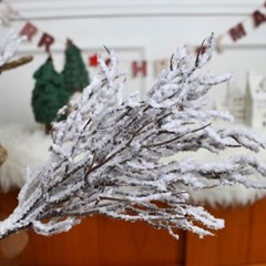 눈쌓인 산호가지 크리스마스 조화가지_(1034286)
