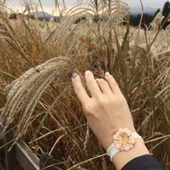 refresh bracelet (기분전환을 위한 꽃 팔찌)