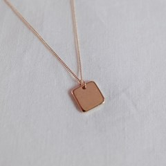 Plat square necklace