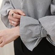 [하늘바라기]고고 퍼프 소매 스트라이프 셔츠