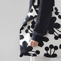 geranium big bag by Jessica Nielsen