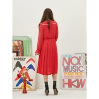 Retro Pleats Dress in Red