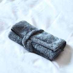 THE TOWEL (GRAY)