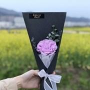 우아한 장미 한송이 꽃다발