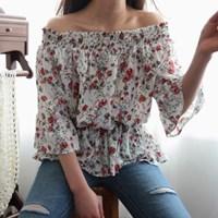 Romantic off shoulder blouse
