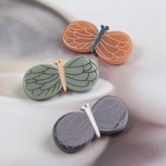 [엔비로라] 아크릴 부로치 - 작은 꽃나비 NBP8025